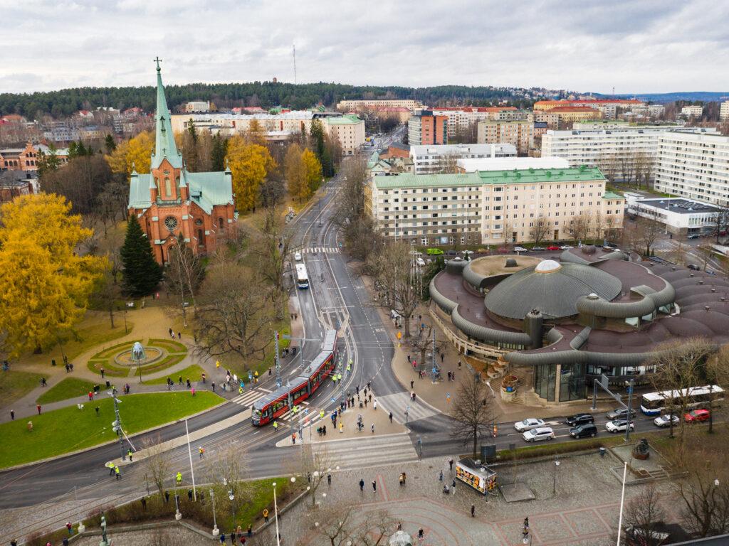 Tampereen Ratikka Pirkankadulla